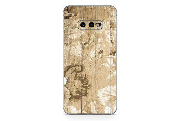 Samsung Galaxy S10 Skin Design Aufkleber - roses-on-wood